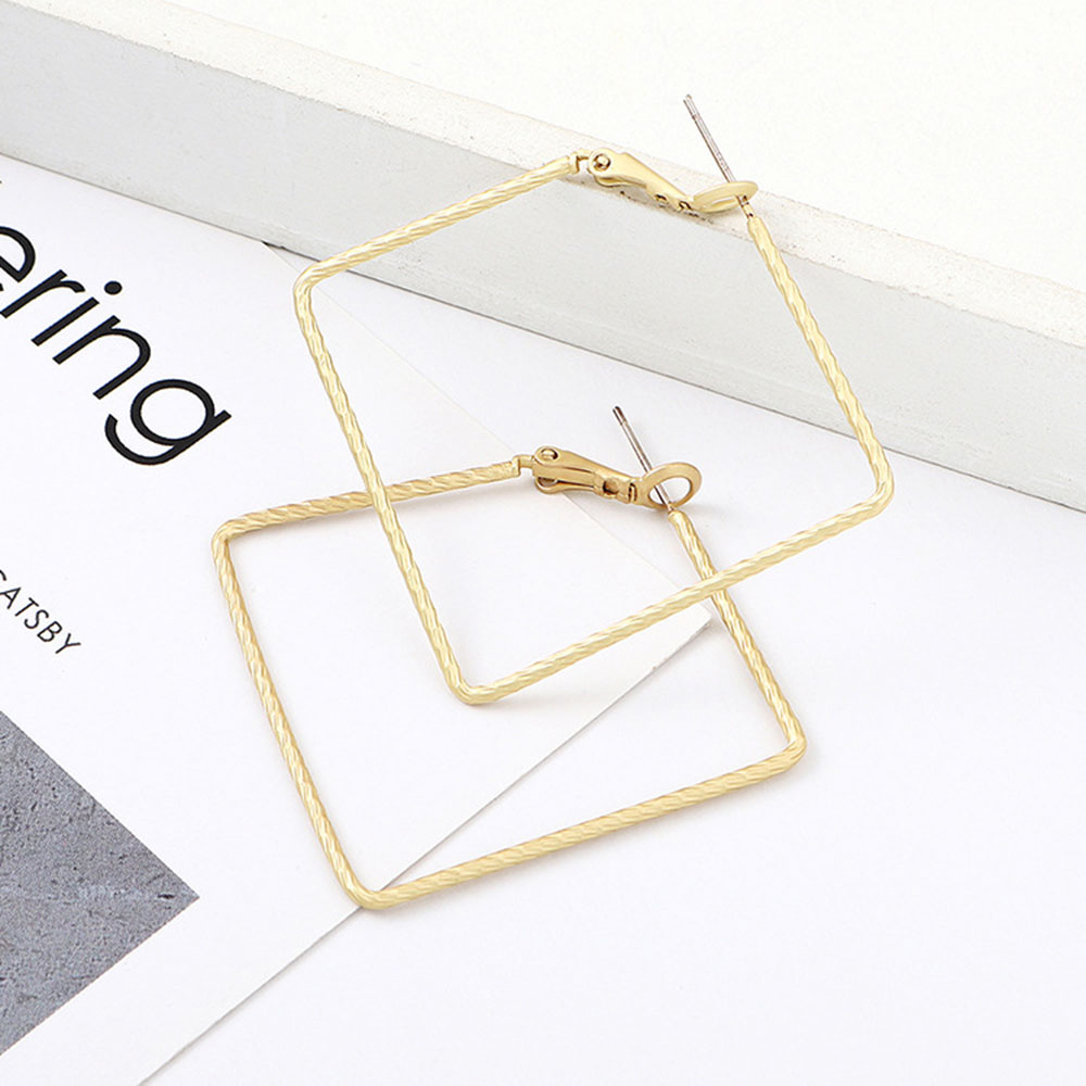 2019 Real Oorbellen Aros Dumb Earrings Celebrity Square Street Snap Fashionable Eardrop Exaggerated Minimalist Women Brincos in Hoop Earrings from Jewelry Accessories