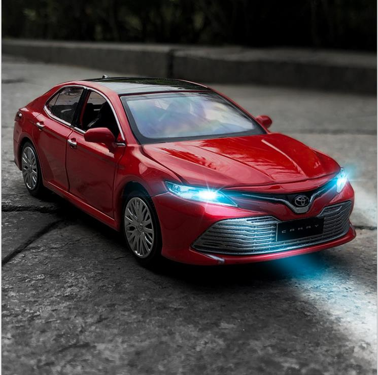 High Simulation 1:32 Camry Alloy Pull Back Car Model,6-door Design,simulated Sound And Light Toys,free Shipping