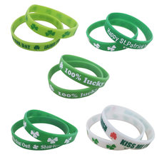 1 paar St Patricks Day Armband Dekorationen Kleid Saint Patrick Kostüm Requisiten Leprechaun Irish Shamrock Clover DIY Mardi gras(China)