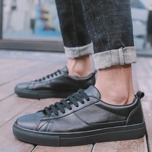 Image 4 - Мужские кожаные кроссовки REETENE, черные однотонные повседневные кроссовки на шнуровке, удобная мягкая обувь белого цвета, 2019