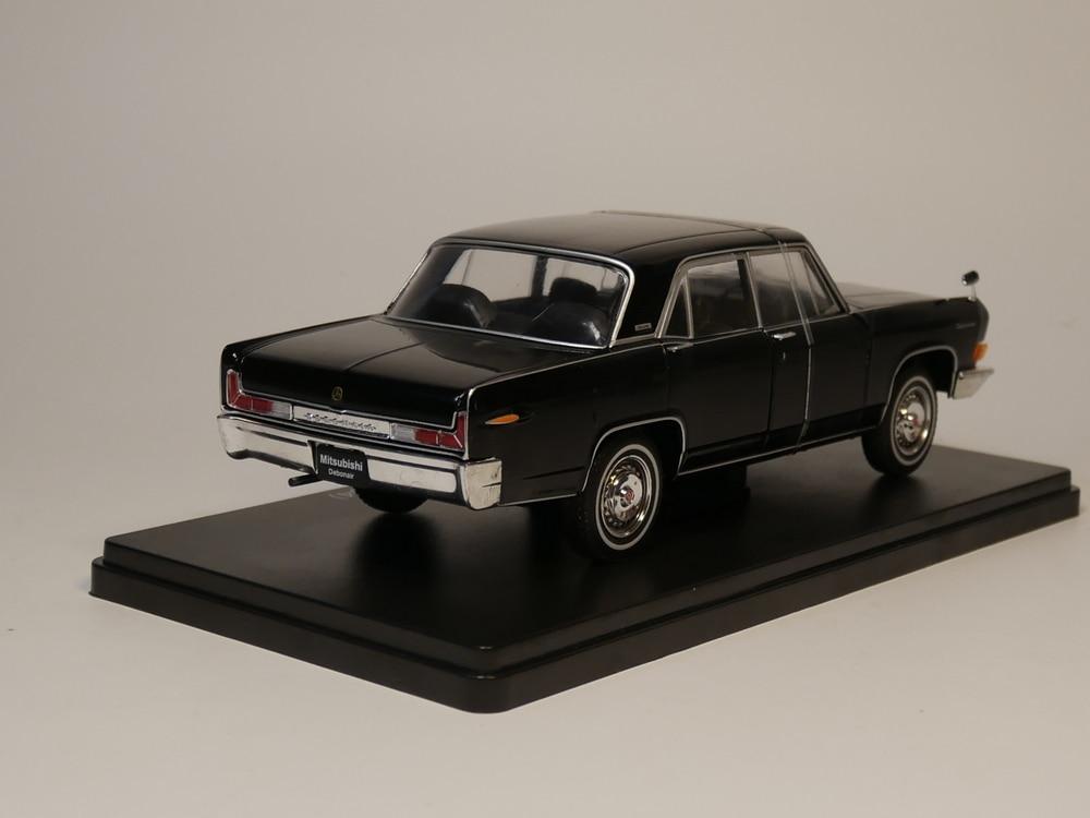 Hachette 1//24 Mitsubishi Debonair 1964 Black Diecast Models Limited Edition Used