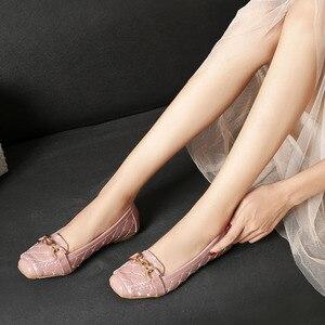 Image 2 - Femmes chaussures plates 2019 décontracté mode Slip on ballerine femme chaussures plates en cuir verni mocassins dames printemps automne chaussures de femme nouveau
