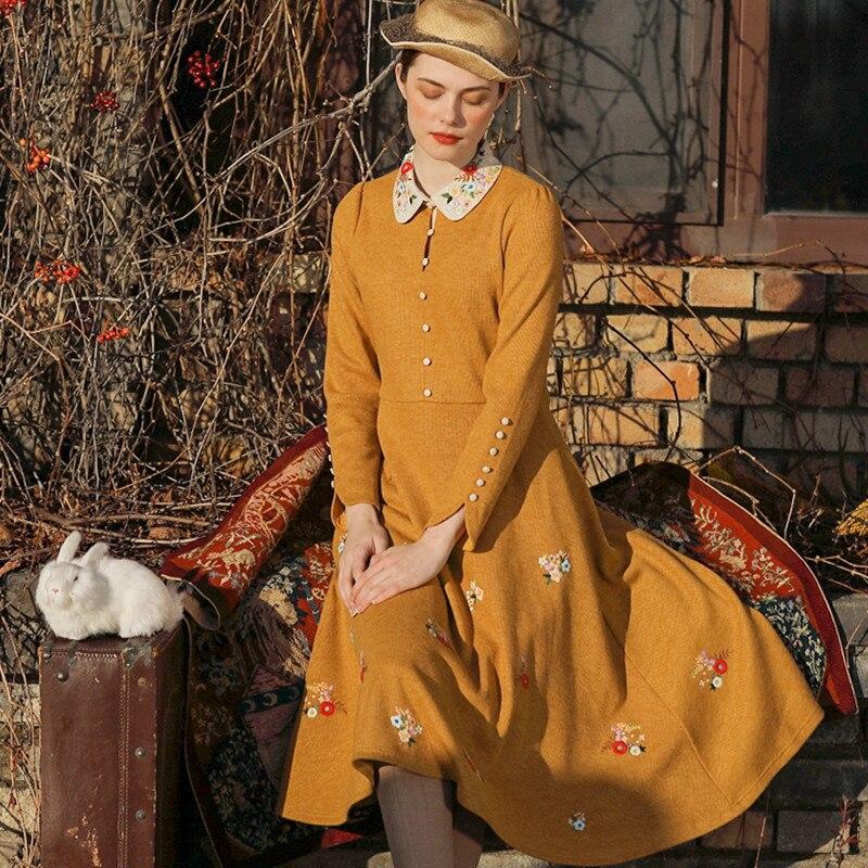 Conception originale aigittos automne hiver nouvelles femmes Vintage élégant mince Mori filles broderie française jaune longues robes tricotées