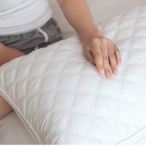 Image 4 - ソフト羽生地枕睡眠枕枕睡眠のためのkussens almohada頚椎oreiller注ぐ点灯poduszkap