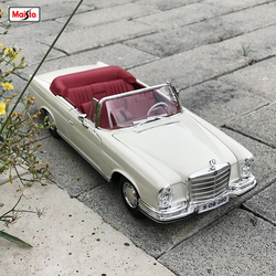 Maisto 1:18 1967 Mercedes-Benz 280SE Alloy Retro Car Model Classic Car Model Car Decoration Collection gift