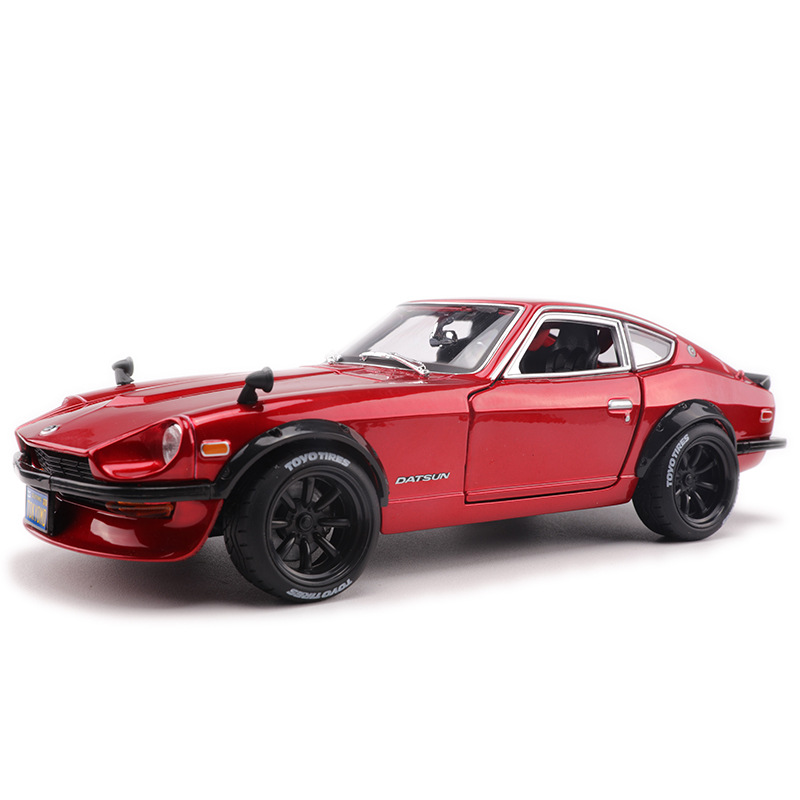 <font><b>1:18</b></font> Simulation alloy classic sports <font><b>car</b></font> model For <font><b>Nissan</b></font> Datsun 240Z with Steering wheel control front toy for Children image