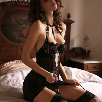 Black Charm Corset Bustiers Female Body Shaper Lace Underwire Seduction Dress Sexy Lingerie Halter Cross Backless Uniform 1