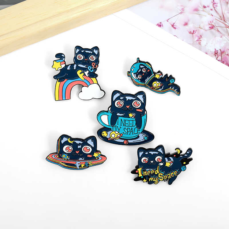 I NEED MY SPACE UFO Rainbow Space Cat Anime character cat brooch jewelry cartoon Lazy black cat alloy brooch badge Jewelry