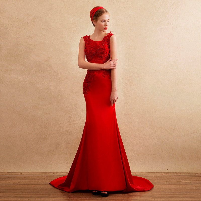 Red Satin Lace Appliques Flowers Long Formal Party Gown Robe De Soiree Vestidos 2018 Sexy See Through Back Bridesmaid Dresses
