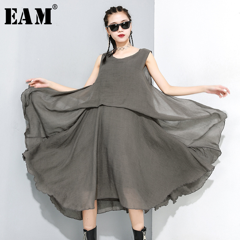 [EAM] Women Black Transparent Layers Split Dress New Round Neck Sleeveless Loose Fit Fashion Tide Early Spring 2020 1M888