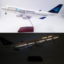 1/150 Scale 47CM Airplane Boeing B747 with Light and Wheels Garuda Indonesia Model Toys Aircraft Resin Plastic Alloy Plane