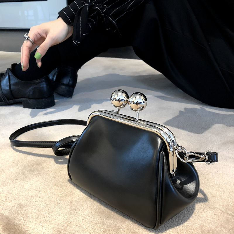 Vinatge Shell Clip Women Shouder Bags Designer Wide Strap Handbags Luxury Pu Leather Chains Crossbody Bag Lady Small Purses 2019