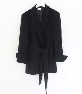 Image 5 - Colorfaith chaquetas con muescas para mujer, ropa de vestir Formal con cordones, Tops blancos y negros elegantes JK7040, Otoño Invierno 2019