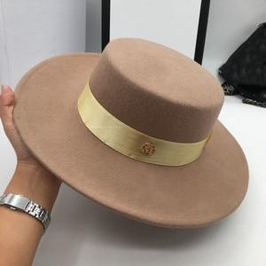 Image 2 - とキャメル帽子男性と女性のジョーカーフラット帽子手紙フラットつばフェルト帽子欧米のファッション帽子 Fedoras