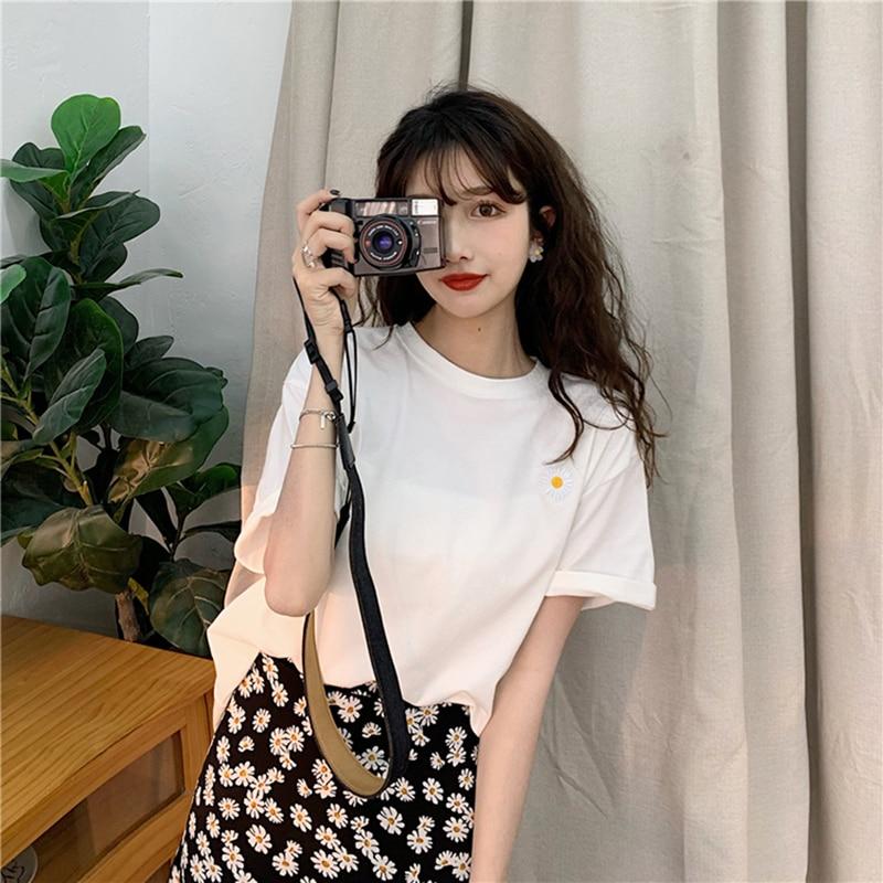 hot sale Korean Flowers embroidery Women T-shirt Summer Short Sleeve Simple Tee shirt Femme Casual Loose t shirt Camisetas Mujer 5