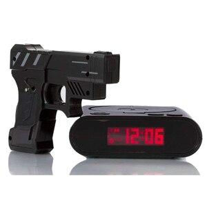 Image 2 - אקדח שעון מעורר גאדג ט יעד לייזר לירות לצריבה דיגיטלי אלקטרוני שולחן שעון שולחן שעון מצחיק שעון נודניק לילדים