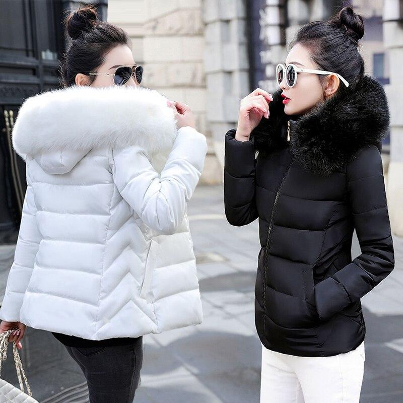 Модные черно-белые зимняя куртка для женщин с большим меховым капюшоном, плотная пуховая женская куртка на меху пальто зауженный крой тепла...