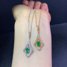 цена Jewelry 925 sterling silver inlaid natural emerald gemstone girl pendant + necklace gold white gold fashion face luxury color tr онлайн в 2017 году