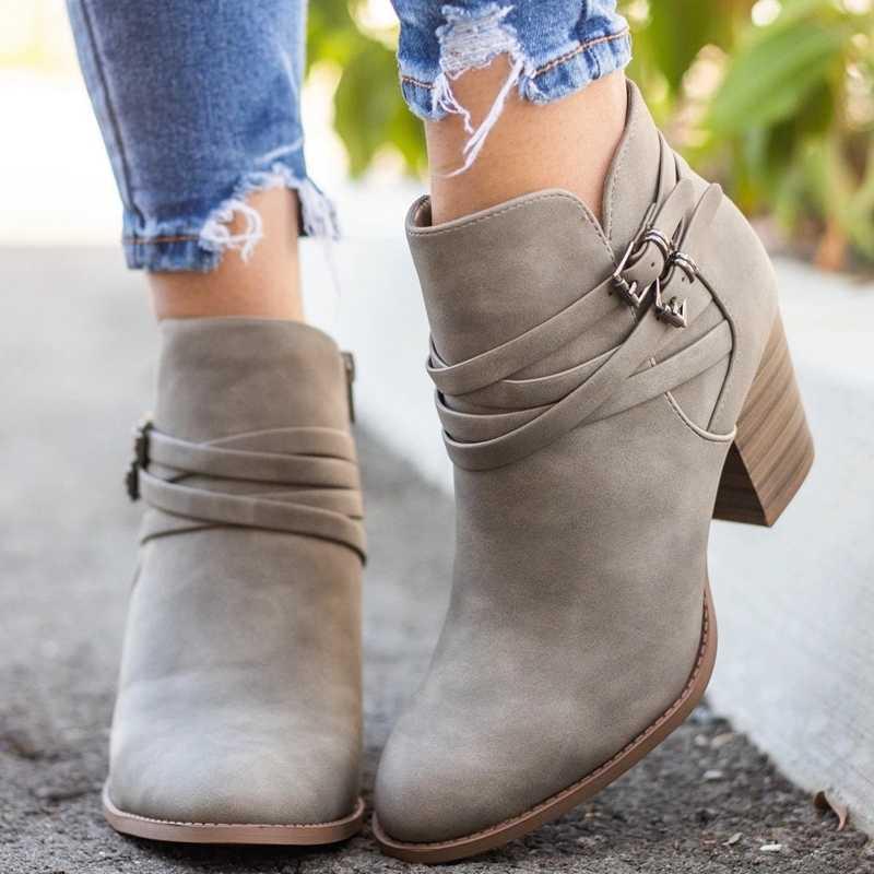 CYSINCOS çizmeler kadın toka PU ayakkabıları kadın kısa çizmeler kare topuklu moda sivri burun ayak bileği tüm maç nefes yeni