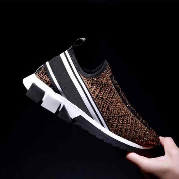 Nouveau femmes chaussures Type antidérapant perméable à l'air tissage paresseux Couple chaussures pour loisirs Sports 2020 hommes et femmes chaussures femmes baskets