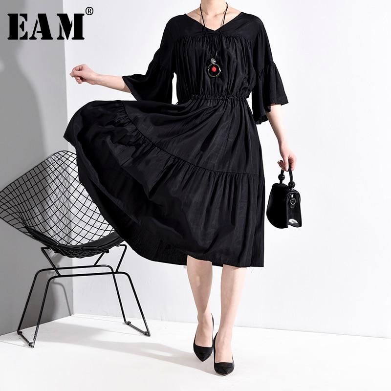 [EAM] Women Black Pleated Big Size Dress New V-Neck Three-quarter Sleeve Loose Fit Fashion Tide Spring Autumn 2020 JU67401