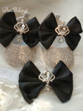 بلينغ تاج مجوهرات حجر الراين الأسود القوس الكبير شخصية اسم الطفل تذكار 1st هدية عيد ميلاد الطفل الأحذية مع عقال