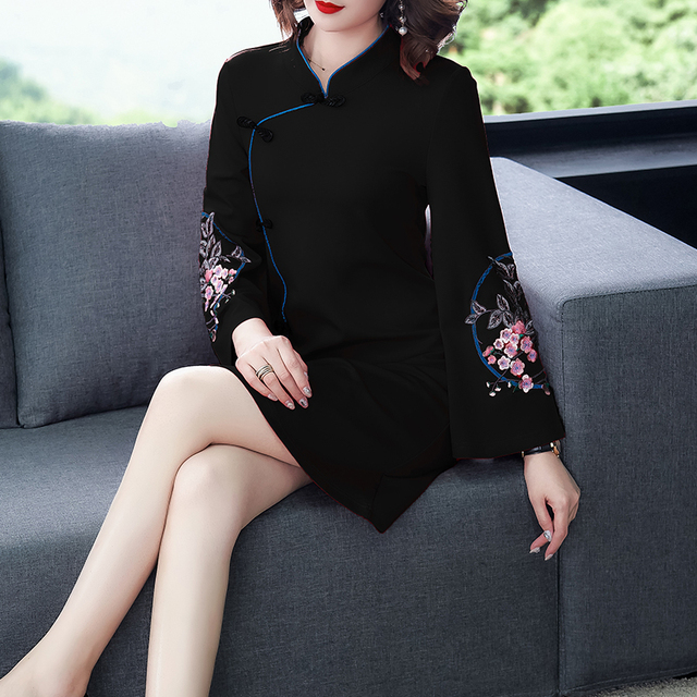 2021 Spring New Improved Cheongsam Female Ancient Hanfu Retro Chinese Style Dress Floral Flare Sleeve Buckle Party Dress Women 4