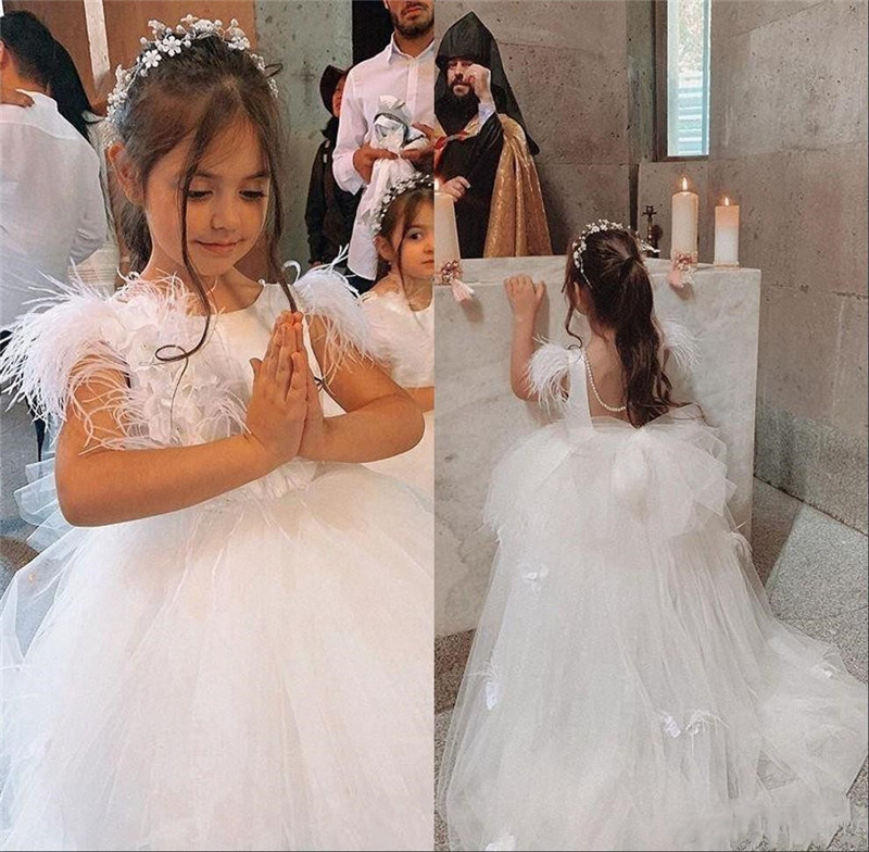 New Cute Flower Girls Dresses For Weddings Lace Appliques Feather Sleeveless Bow Girls Pageant Dress Kids Communion Gown