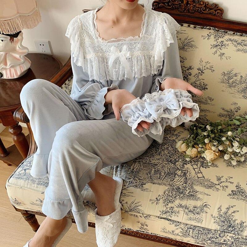 Thick Velvet Women's Pajamas Sets Elegant White Lace Long Sleeve Sleepwear Suits Present Hair Band Pyjamas Autumn Winter