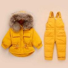 Rusya kış çocuk giyim setleri tulum kar ceketler + önlük pantolon 2 adet Set bebek erkek kız ördek aşağı palto ceket kürk Hood ile