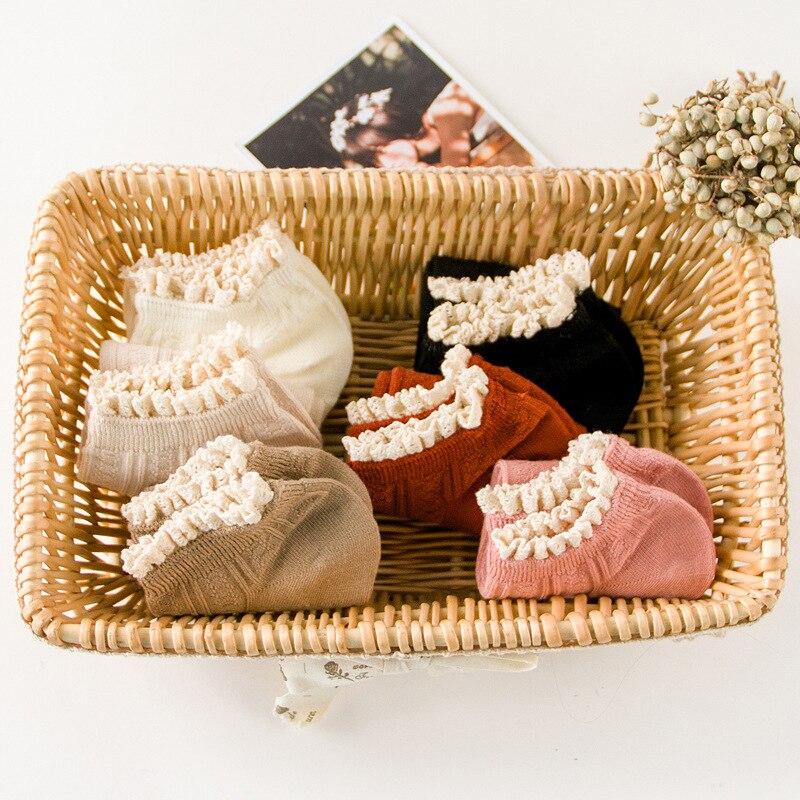 Женские летние кружевные носки, милые стильные мягкие и удобные носки, хлопковые повседневные короткие носки ярких цветов для девушек и жен...