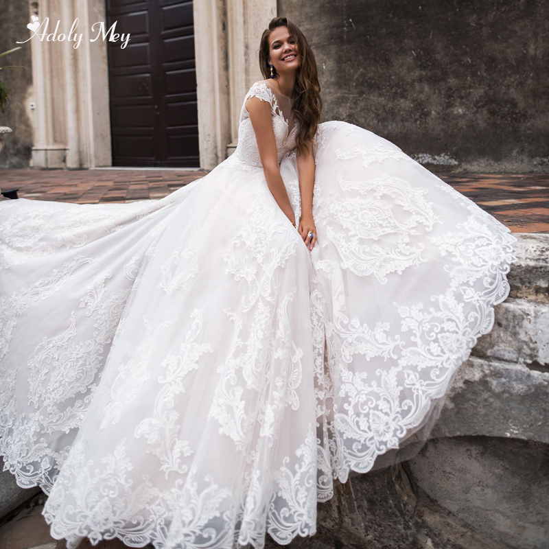 Adoly Mey Glamorous Appliques Court Train A-Line Wedding Dresses 2020 Elegant Scoop Neck Cap Sleeve Vintage Bride Gown Plus Size