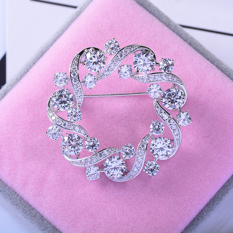 Bad Gug Shiny Rhinestone Flower Brooches for Women Round Brooch Pin Vintage Fashion Jewelry Winter Accessories Zircon Brooche-1