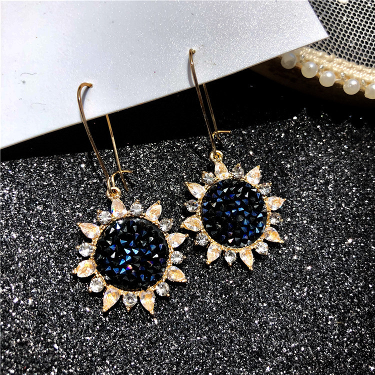 2019 New Sun Flower Zircon Earrings Crystal Sunflower Temperament Long Section Dangle Jewelry