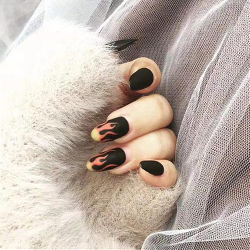 24pcs/set Punk Flame Pattern Fake Nails Short Round Head Full Cover Nails Black Matte Design Fashion Finished Nail Art Tips(China)