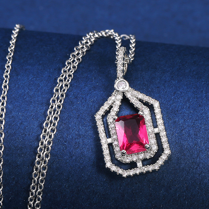 Huitan Gorgeous Women Pendent Necklaces Wedding Evening Party Bright CZ Stylish Female Daily Wearable Accessories Trendy Jewelry