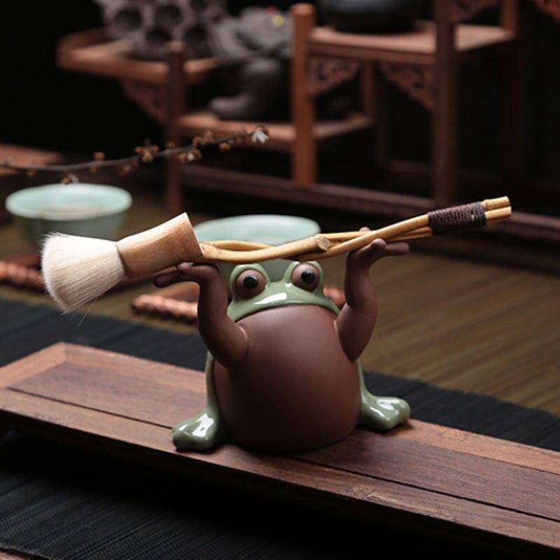 Exquis chinois Yixing sable violet travail manuel thé animaux ornements grenouille Sculptures porte-stylo