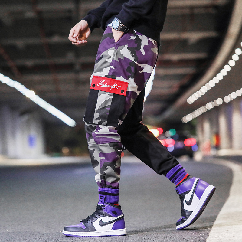 Fashion Streetwear Men Jeans Loose Fit Spliced Designer Big Pocket Cargo Pants Purple Camouflage Hip Hop Jeans Men Joggers Pants