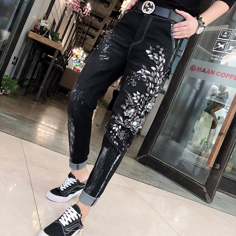 Women's Jeans Autumn And Winter New Mom Jeans Ripped Jeans Female Embroidery Flowers Beaded Black Feet Harem Pants Jeans Woman