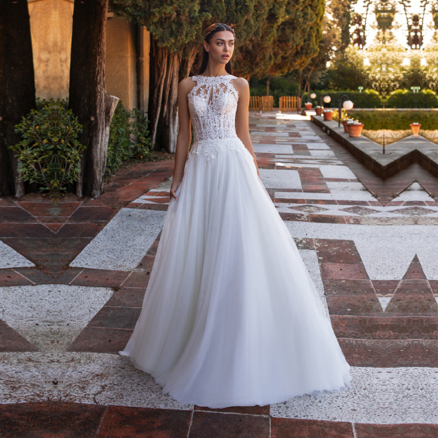 Sexy Wedding Dresses Lace Appliques With Tulle Backless Wedding Gowns Sleeveless Bridal Dress Vestido De Noiva Floor Length
