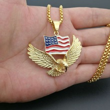 Personality American Eagle Necklace Pendant Motorcycle Party Animal Flag Necklace Gold Color Chain Hip Hop Jewelry for Men Women american cartoon emojis hold guns personality pendant set with zircon hip hop double color necklace accessories