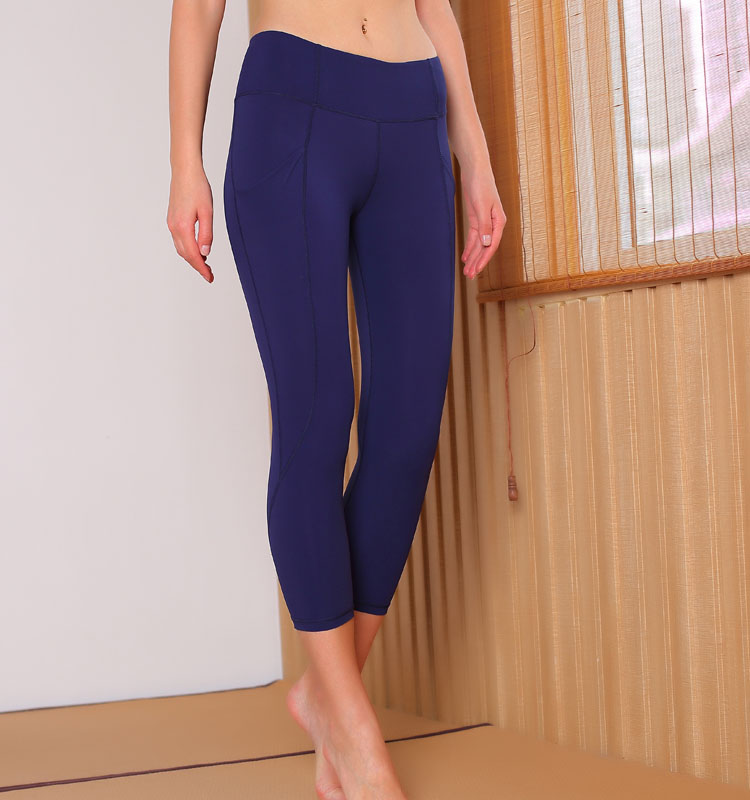 2020 Women Sports Pant With pocktes Leggings Stretch Fabric capris Fitness leggings 3