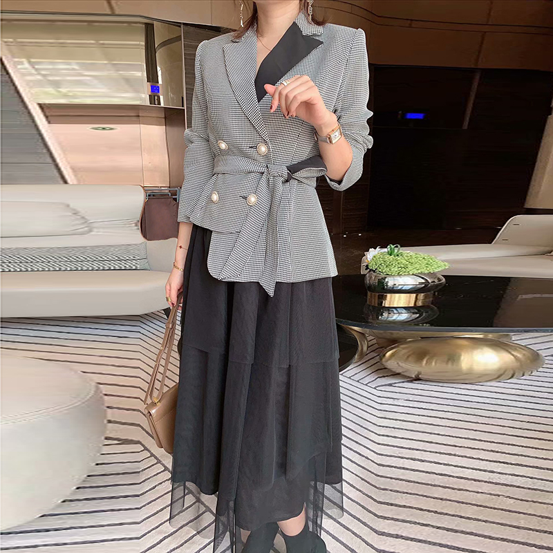 High-quality latest Paris fashion show 2020 spring long-sleeved Double Breasted Plaid Blazer Tulle Skirt Set