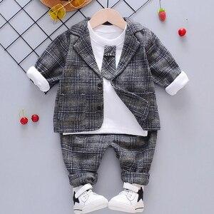 Image 2 - ילד תינוק ילד משובץ חליפת סטי בגדי אופנה 3PCS פעוט בנות תינוק חליפת מעיל + T חולצה + מכנסיים 1 4 Y