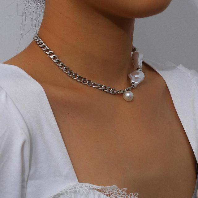 Goth Baroque Pearl Pendant Choker 2