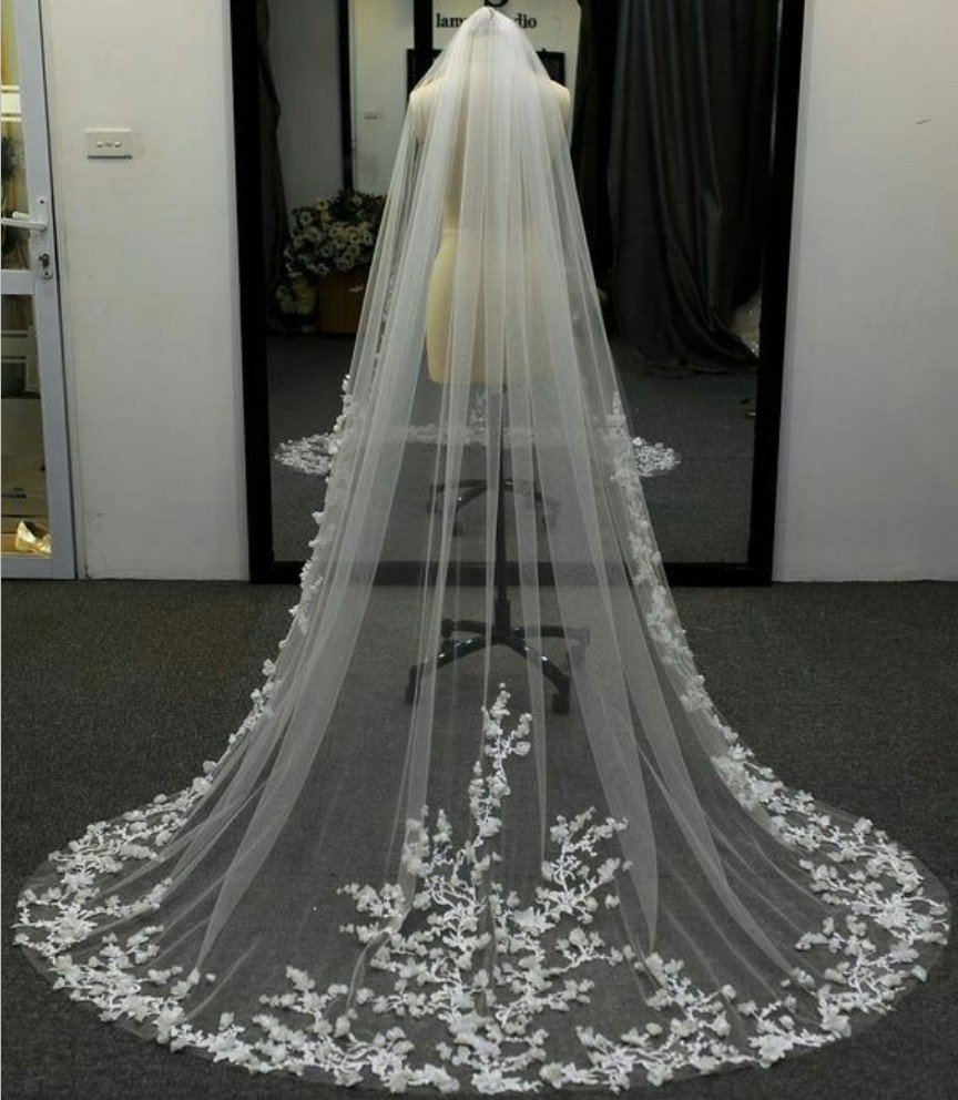 Stunning Cathedral Wedding Veil with Lace Floral Appliques Bridal Veil Vestido De Noiva Longo Custom Made