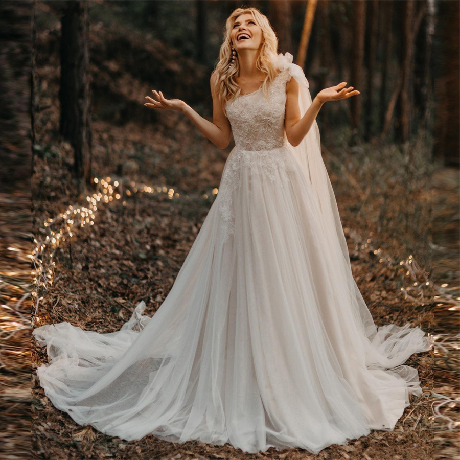 2020 One Shoulder Pleated Beading Applique Lace Wedding Dresses Sweep Train Tulle Bride Dress Vestido De Novia