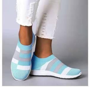 Image 2 - Fujin 2020 Flats Vrouwen Lente Mode Casual Schoenen Lente Schoenen Sneakers Vrouwen Platte Schoenen Slip Op Ademend Knit Stretch Flats