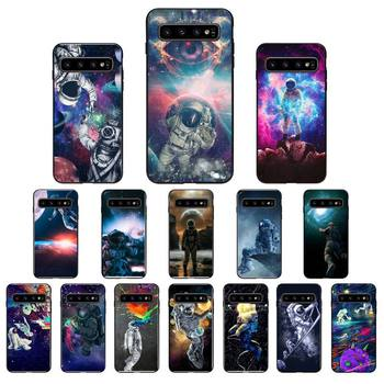 YNDFCNB Trippy Art aesthetic Space astronaut Soft Phone Case for Samsung Galaxy S6 S6edge Plus S7 S7edge S8 S9 S10 Plus S20 image