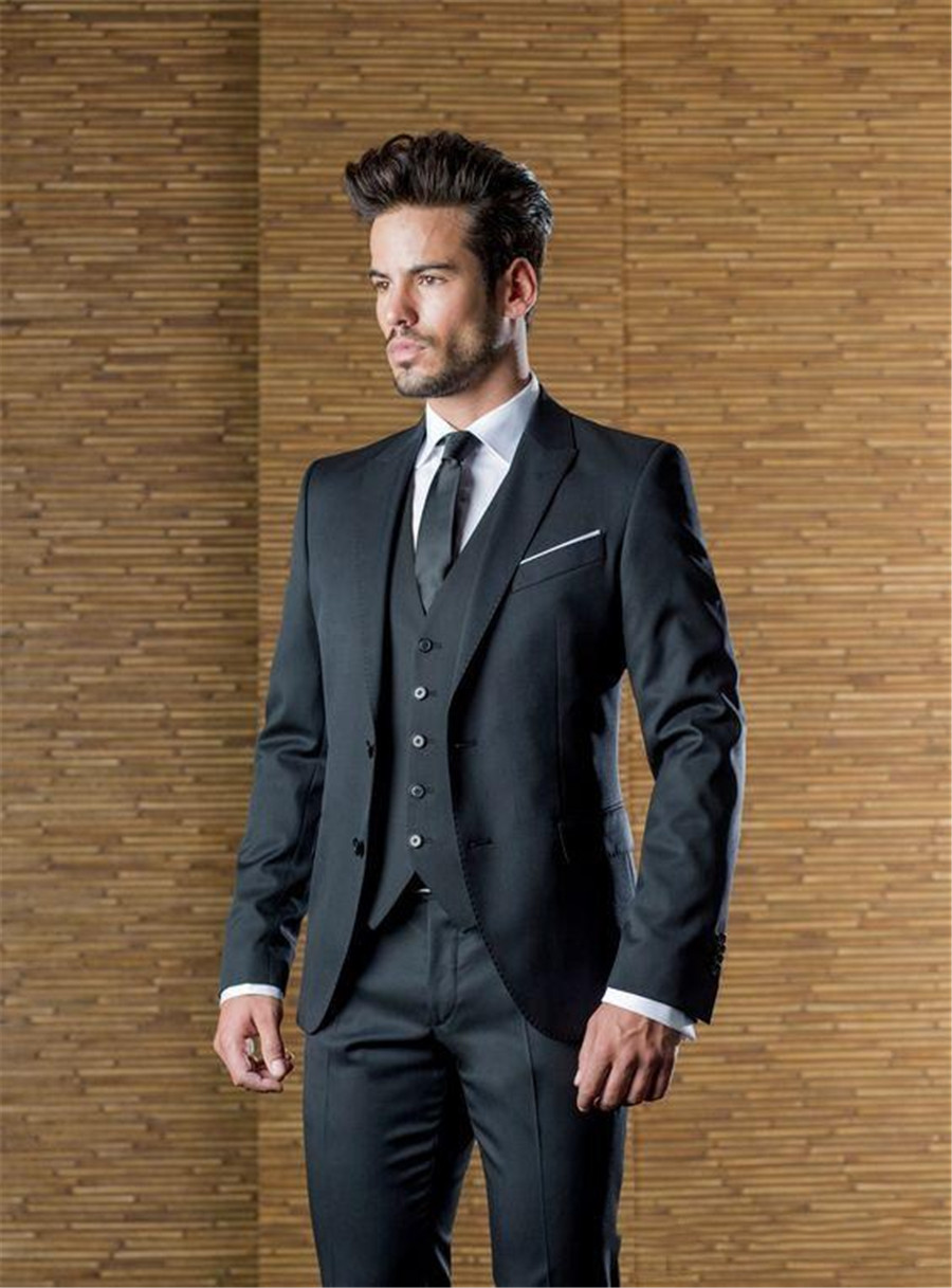 Handsome Charcoal Custom Mens Wedding Suits Peaked Lapel Slim Fit Grooms Tuxedo Three Pieces Business Suit (Jacket+Pants+Vest)